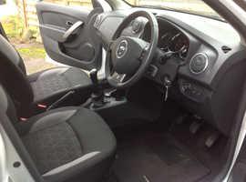 Dacia Sandero Stepway 1.5 dci Laurette, 2014 (14) White Hatchback, Manual Diesel, 90,500 miles