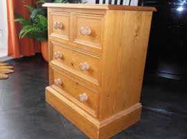 Small Pine Chest of Drawers / Bedside Cabinet