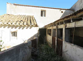 Village House in Southern Spain for renovation ( lots of potential for animal projects dogs, horses etc)
