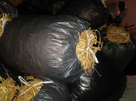 Straw bale. - clean bagged straw 100ltr bags