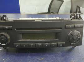 2008 EURO 4 MERCEDES SPRINTER RADIO CD PLAYER GENUINE PART GOOD WORKING ORDER