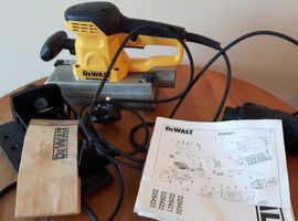 Dewalt D26421 sander (230V, 350W)