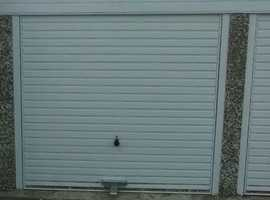 Lock up garage storage for rent in Tadley near Basingstoke