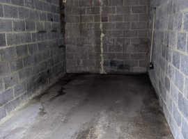 Garage for rent(SO18). Secure, off-road, internal lighting. No minimum term