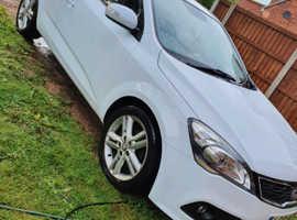 Kia Ceed, 2011 (61) White Hatchback, Manual Diesel, 84,155 miles