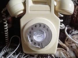 Retro 1980s telephone