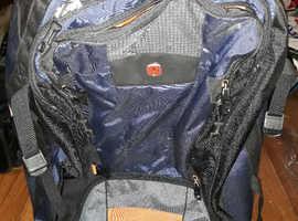 SwissGear Luggage bag with wheels!
