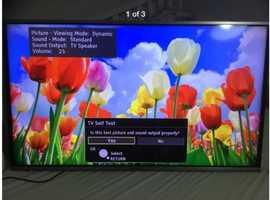 "Panasonic VIERA 40"" smart TV LED"