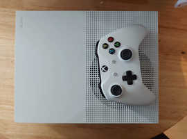 Xbox console 1 + control