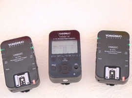 Complete set of 2x Yongnuo Canon flash transmitters and 1 x flash controller in excellent working condition