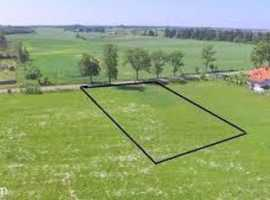 I am looking for a small plot of land to lease for a long period of time.