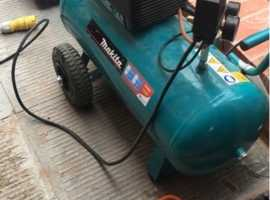 Makita AC1350 air compressor