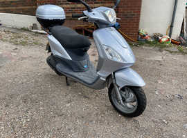 PIAGGIO FLY 125 1300 miles only! 1 owner stunning