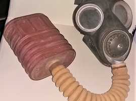 sold sold sold WW2 Military gas mask  WD arrow marked on cannister