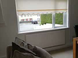 Cream roller blinds x 6