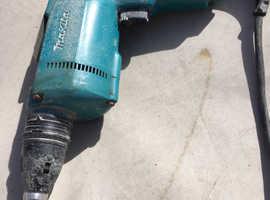 Dry wall screw gun