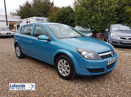 Vauxhall Astra 1.6 Litre 5 Door Hatchback, Full Service History, New MOT, Only 1 Owner.