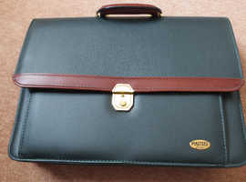 Brand New Executive Smart Briefcase Bonded Leather by Masters London