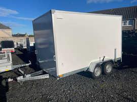 BRAND NEW 365CM X 200CM X 200CM TWIN AXLE BORO BOX TRAILER WITH BARN DOORS 2700KG
