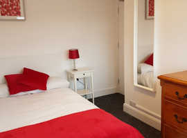 Two lovely rooms available in shared house close to university