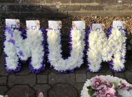 Dollypegs Flowers - Specialists in Funeral Tributes