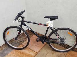 NEVER USED Btwin Rockrider 5.0 Mountain Bike Medium NEVER BEEN RIDDEN