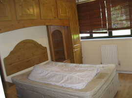 Double room in Summerwood TW77QY