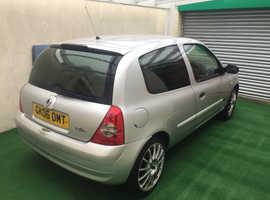 Renault Clio, 2006 (06) Silver Hatchback, Manual Petrol, 97,500 miles
