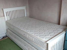 Juno Guest Bed - good as new