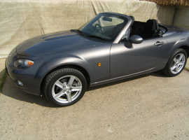 Mazda MX-5 2.0i Roadster Coupe with air con & front foglamps
