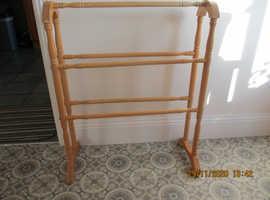 Wooden towel rail, light wood.