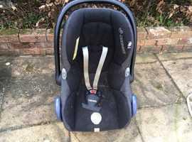 Maxi cosi child's car seat