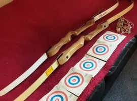 2 x Beauchamp Hurricane Archery Long Bow and 2 x Arrows