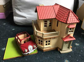 Sylvanian Families Beechwood Hall & Car