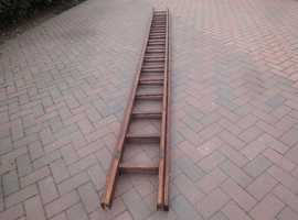 15 RUNG WOODEN DOUBLE EXTENSION LADDER