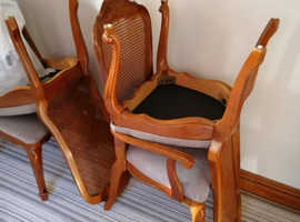 FREE. FREE FREE .Solid oak wood oval dining table and 6 chairs
