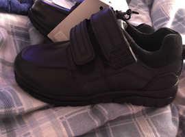 Brand new boys school shoes size 10 infants