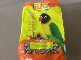 Clearance of 1kg bags of RIO Parakeets food