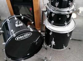 Pdp Cx Pacific (Dw) Drum kit.