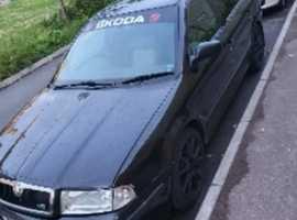 Skoda Octavia, 2001 (51), Manual Petrol, 180,000 miles