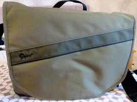 Lowepro Event Messenger 250 Shoulder Bag for camera equipment etc