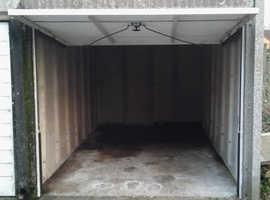 Lock up Garage ~ Hemel Hempstead ~ Wide turning space ~ Avoid Hemel Traffic ~ Great Building potential!!