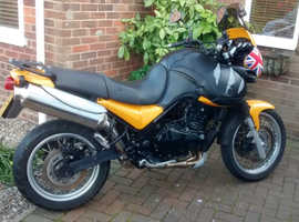 TRIUMPH TIGER 885 EFI, 2000 (W) LOW MILEAGE