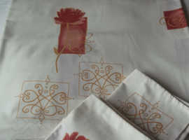 Pretty King Size quilt cover and matching pillow slips