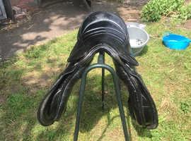 17inch black leather saddle