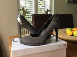 GUESS Suede heeled Shoes size 39 immaculate condition