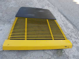 Engine bonnet with grill for Ferrari 348
