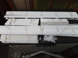 For Sale 5 Venetian blinds