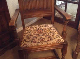 Old charm oak table and 6 chairs