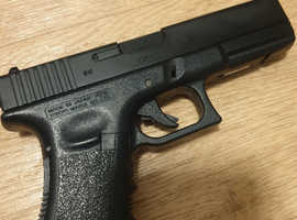 Airsoft fully automatic pistol